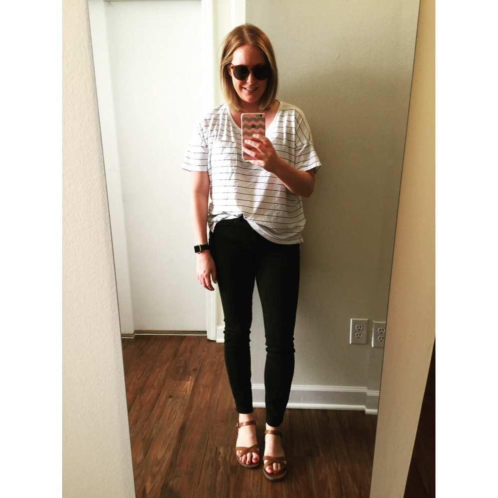 T-shirt: Old Navy,  Boyfriend Pocket Tee , Jeans: Madewell,  high rise skinny jeans , Sandals: Madewell,  boardwalk crisscross sandals , Sunglasses: Loft,  Round Keyhole Sunglasses , Watch: Apple,  38mm Gold Aluminum Case  (with black sport band)