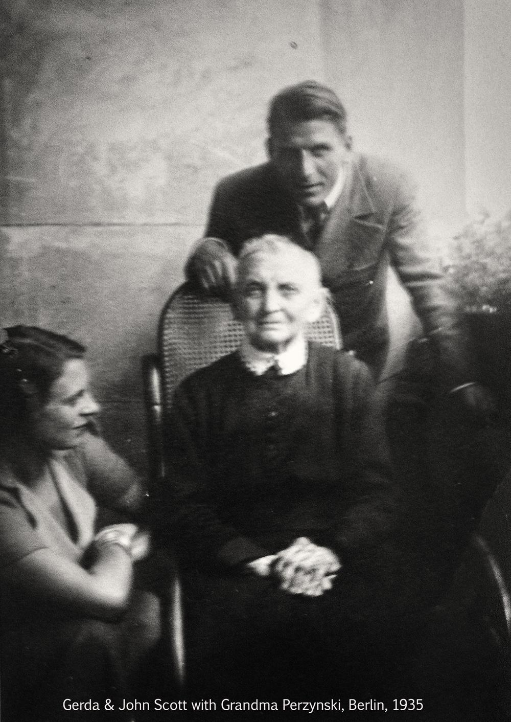 John Gerda & Grandma Perzynski - 1935.jpg