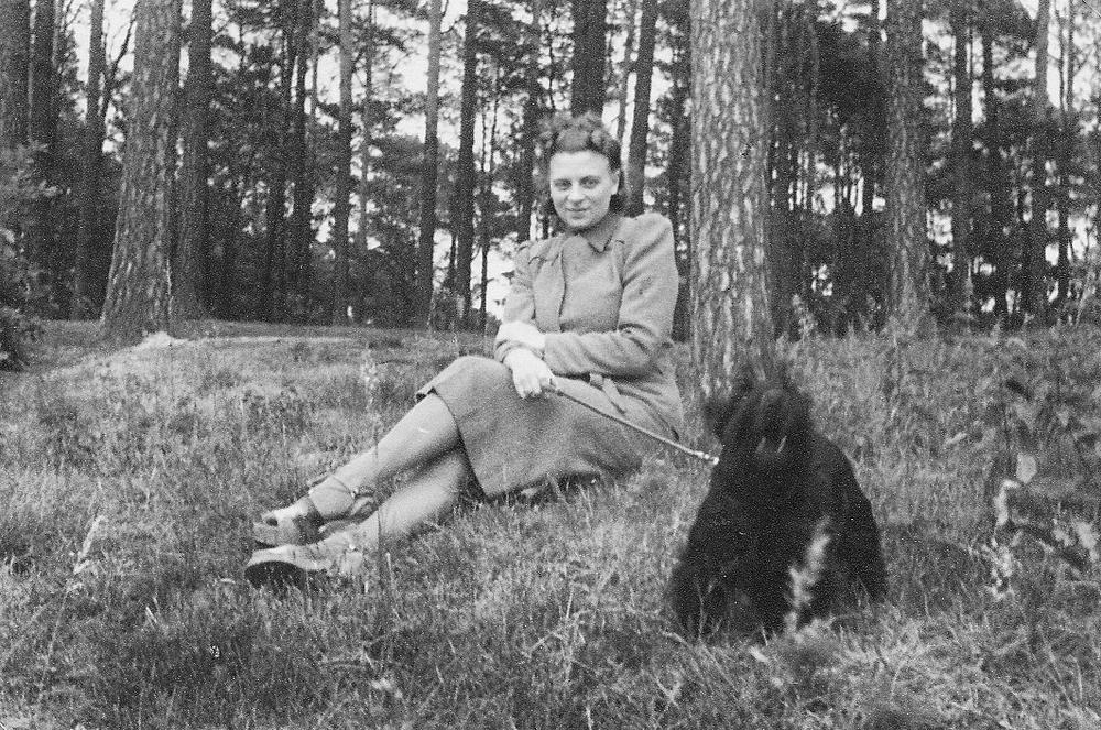 010_Scotts_1935-1942.jpg
