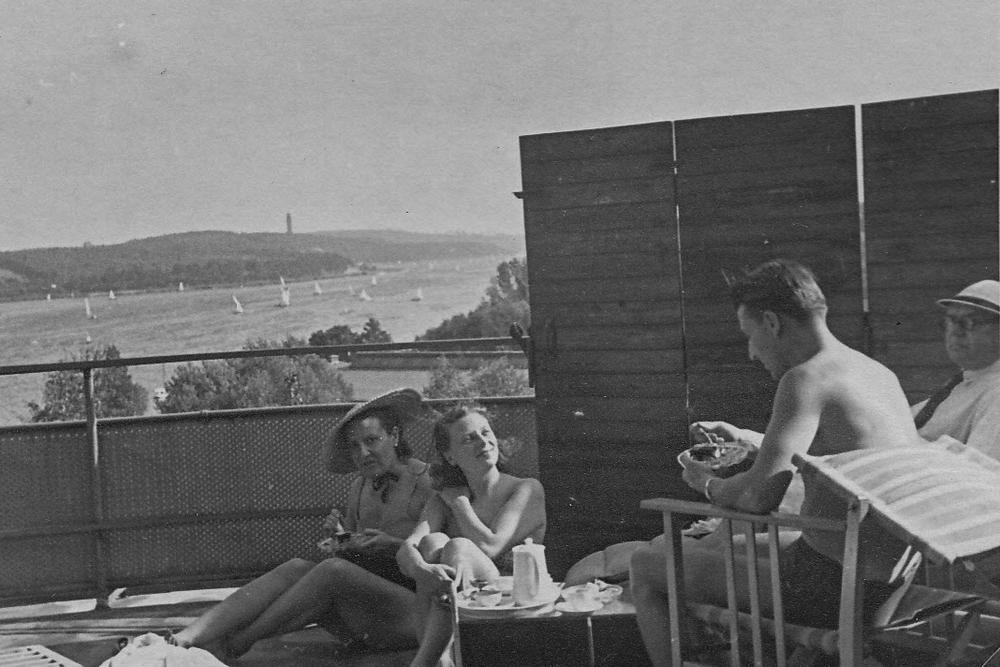 090_Scotts_1935-1942.jpg