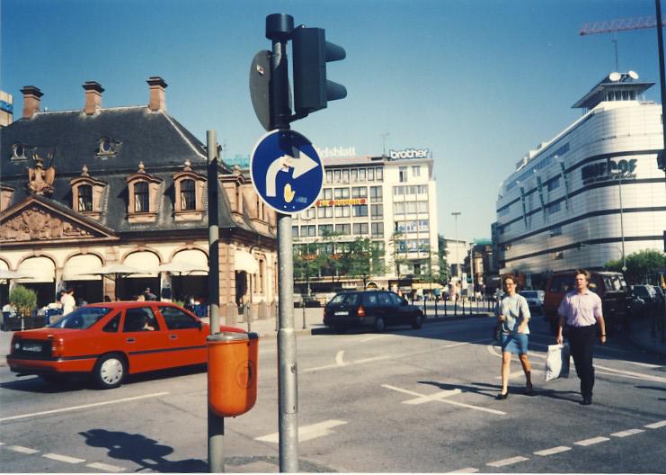 A70_Europe_1991_026.jpg