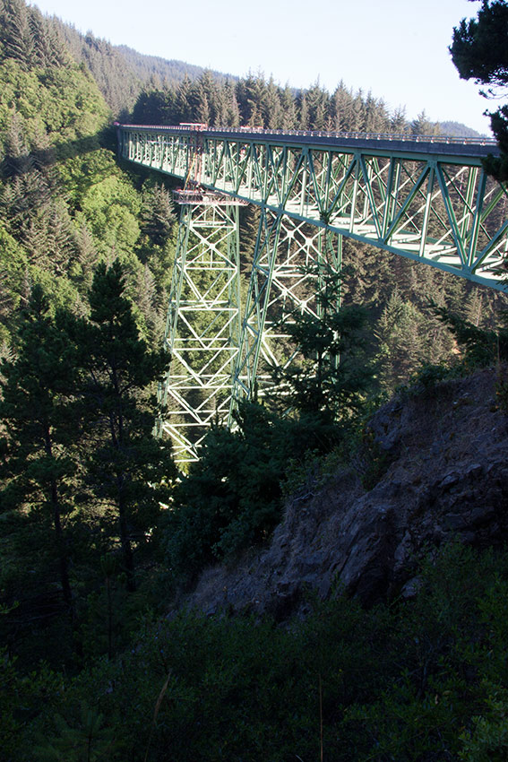 A80_Pacific_Coast_2006-Thomas_Creek_Bridge_C20_3774-250.jpg