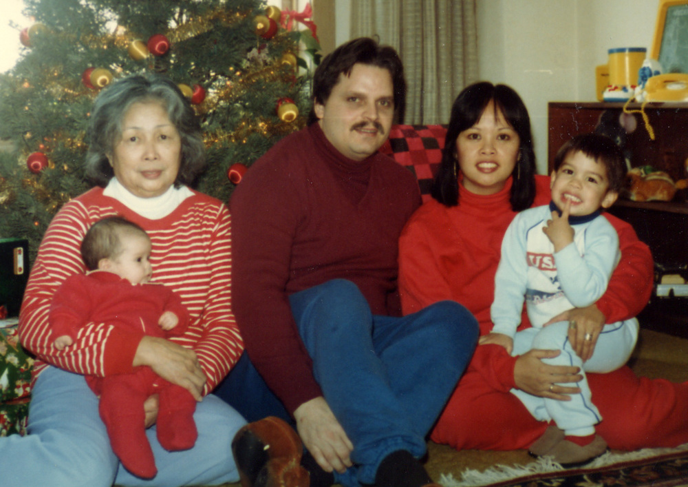 030 family pic - Christmas - 1983.jpg