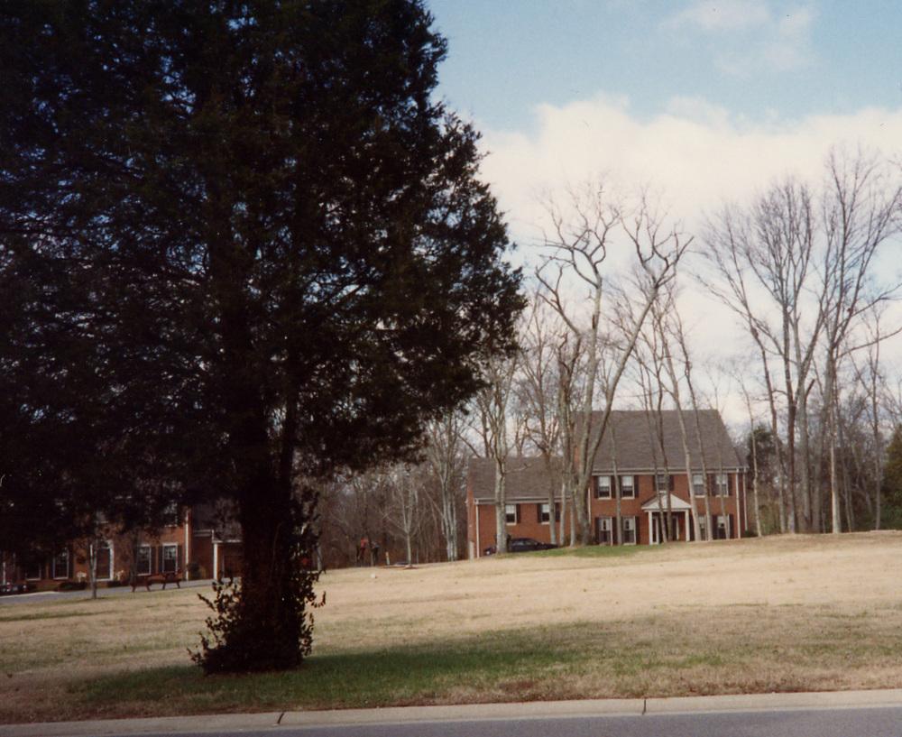 113 Chickering Woods neighborhood.jpg