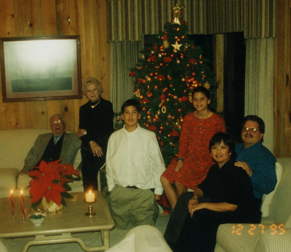 127 family pic Xmas 95.jpg