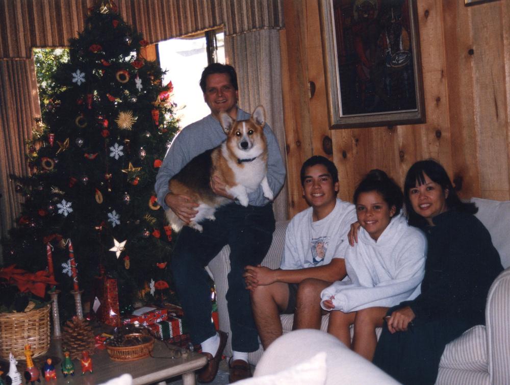 202 family pic w Manny Xmas 97.jpg