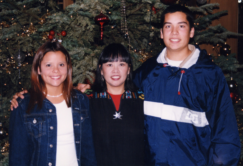 213 with Mom and Brandon Dec 97.jpg