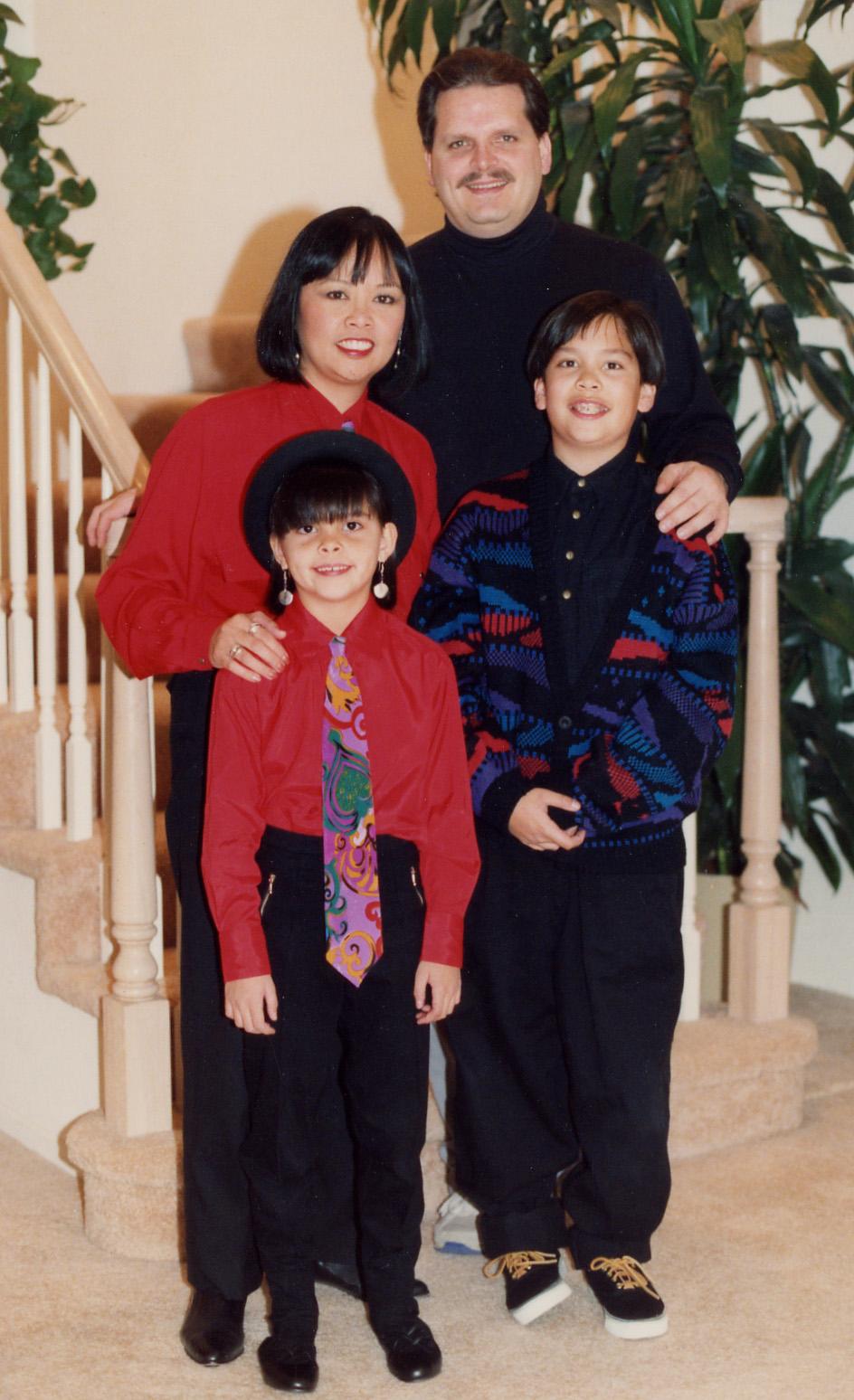295 family Xmas pic 1995.jpg