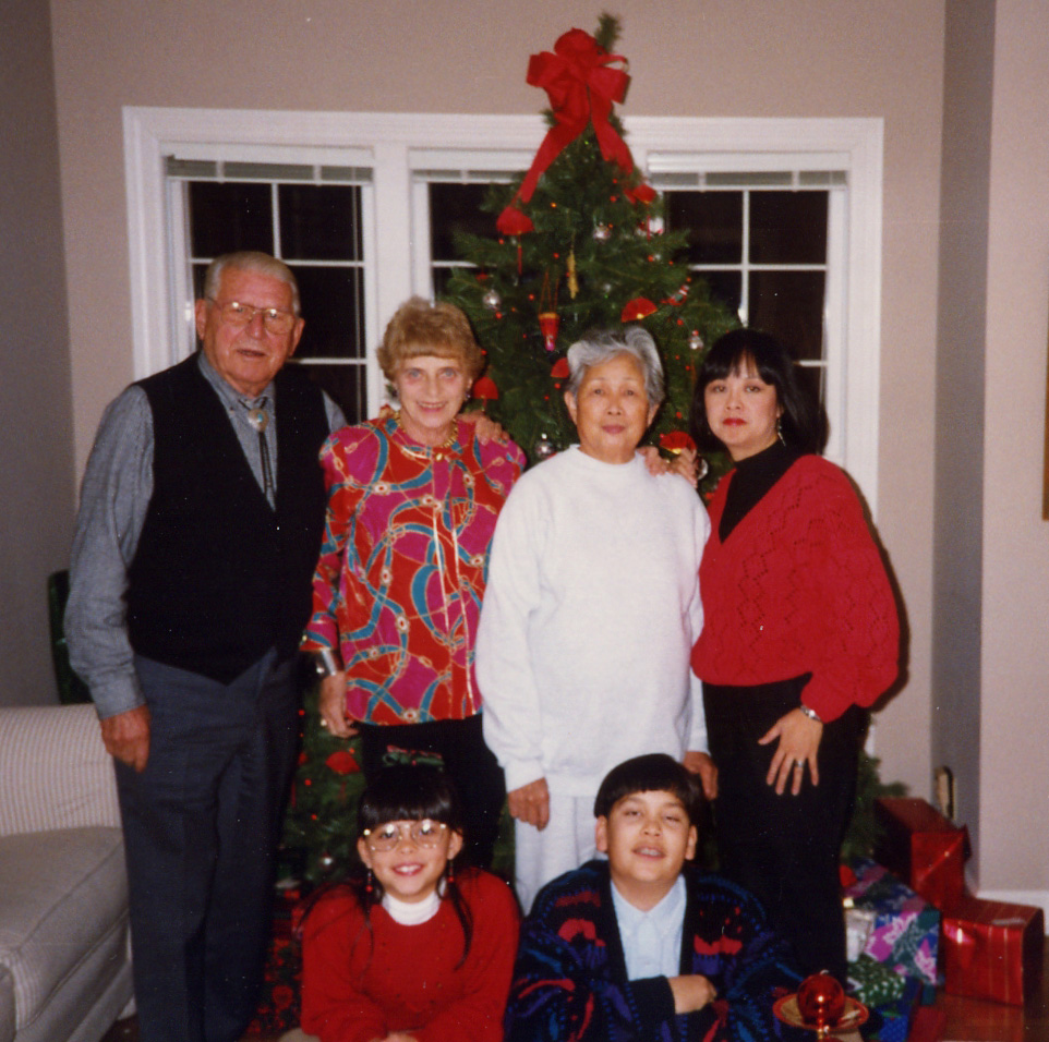 322 Xmas family pic.jpg