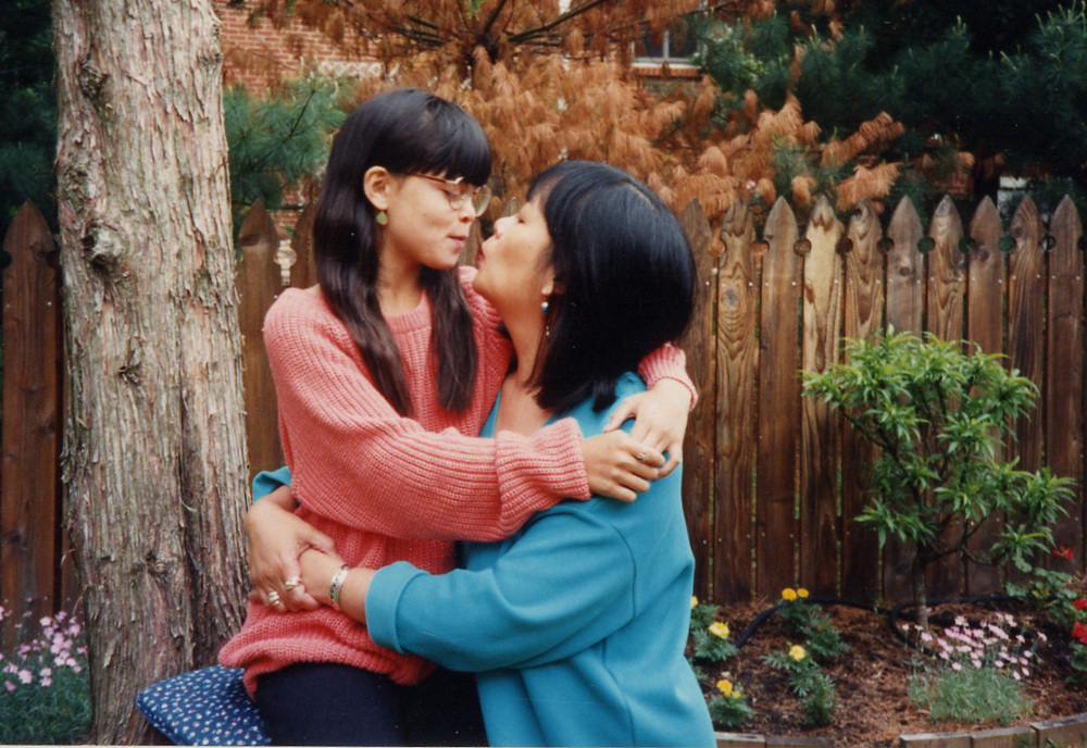 409 kissing mom in Chkrng Wds back yard.jpg