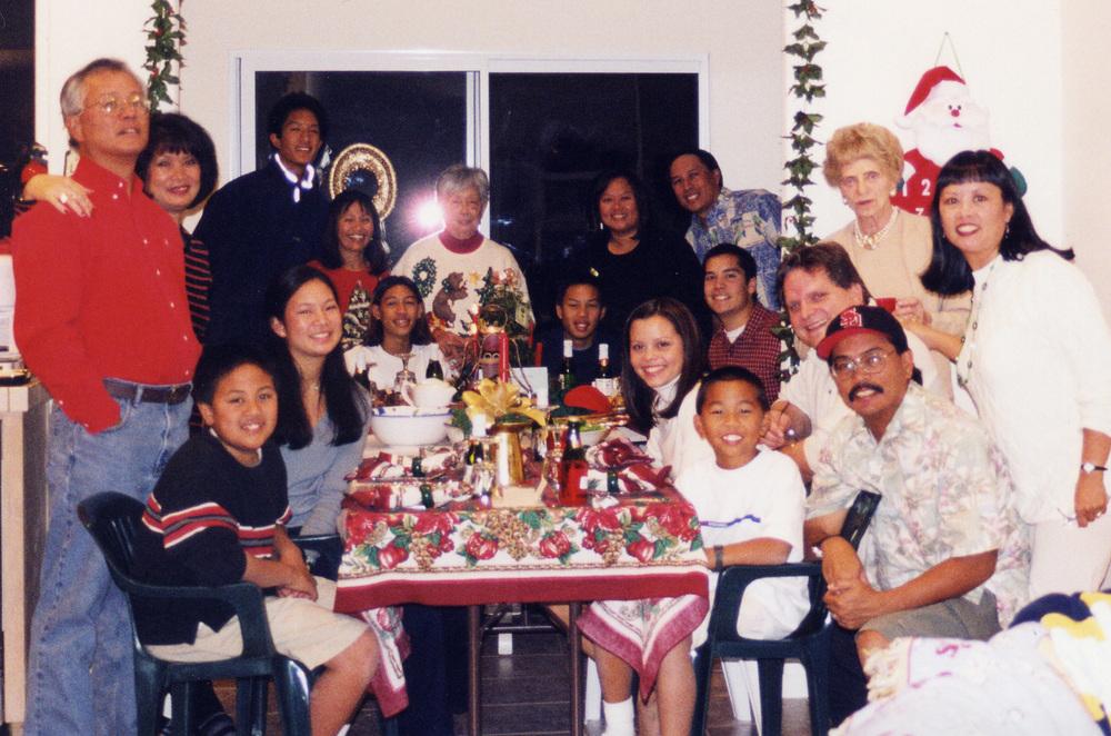549 Xmas extended family pic.jpg