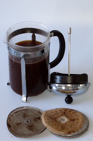 coffee hack how to filter with a french press joyride coffee. Black Bedroom Furniture Sets. Home Design Ideas