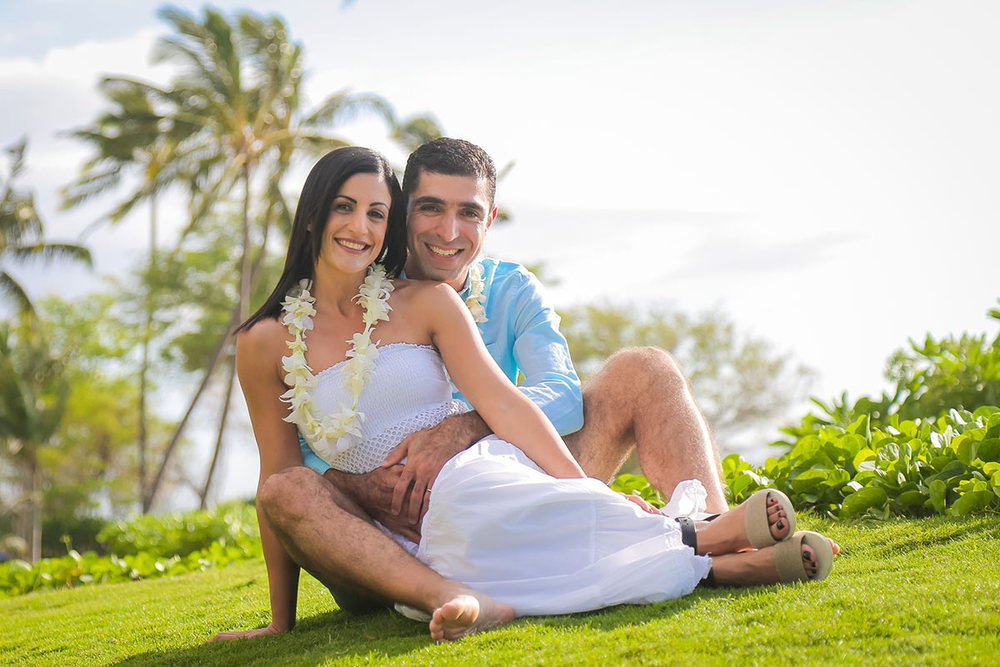 couple-photo-session-Maui-Javarian.jpg