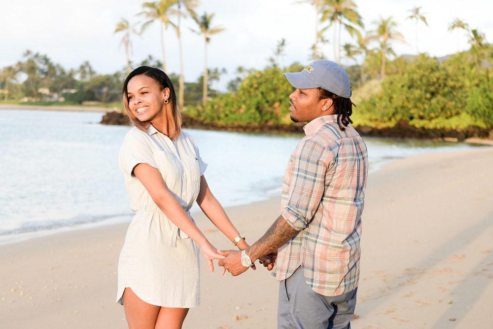 couple-photoraphy-Oahu-Rosendary.jpg