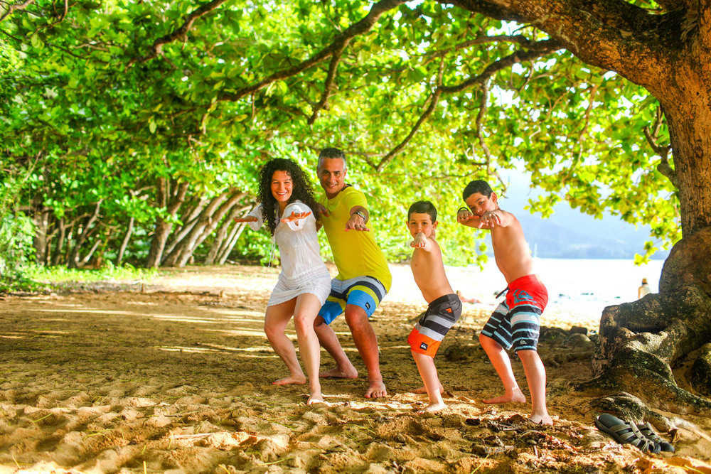 family beach photography Hawaii