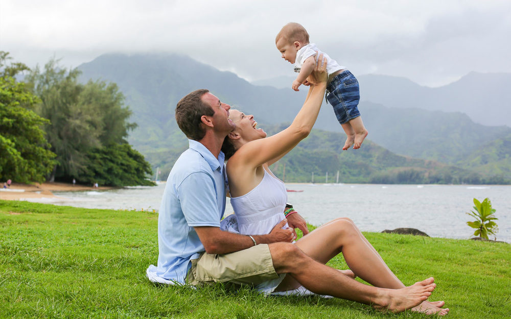 fun-family-photo-shoot-hawaii.jpg