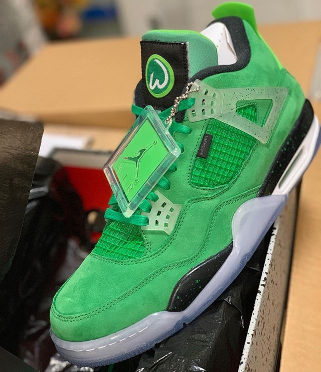 Fresh new @wahlburgers kicks! Would you like to get these shoes? 🍔👟✅ Repost from our partner @markwahlberg!