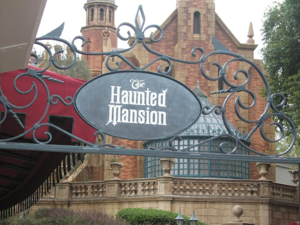 haunted_mansion_entrance.jpg