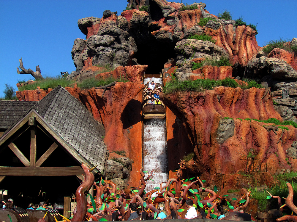 disney_magic_kingdom_splash mountain.jpg