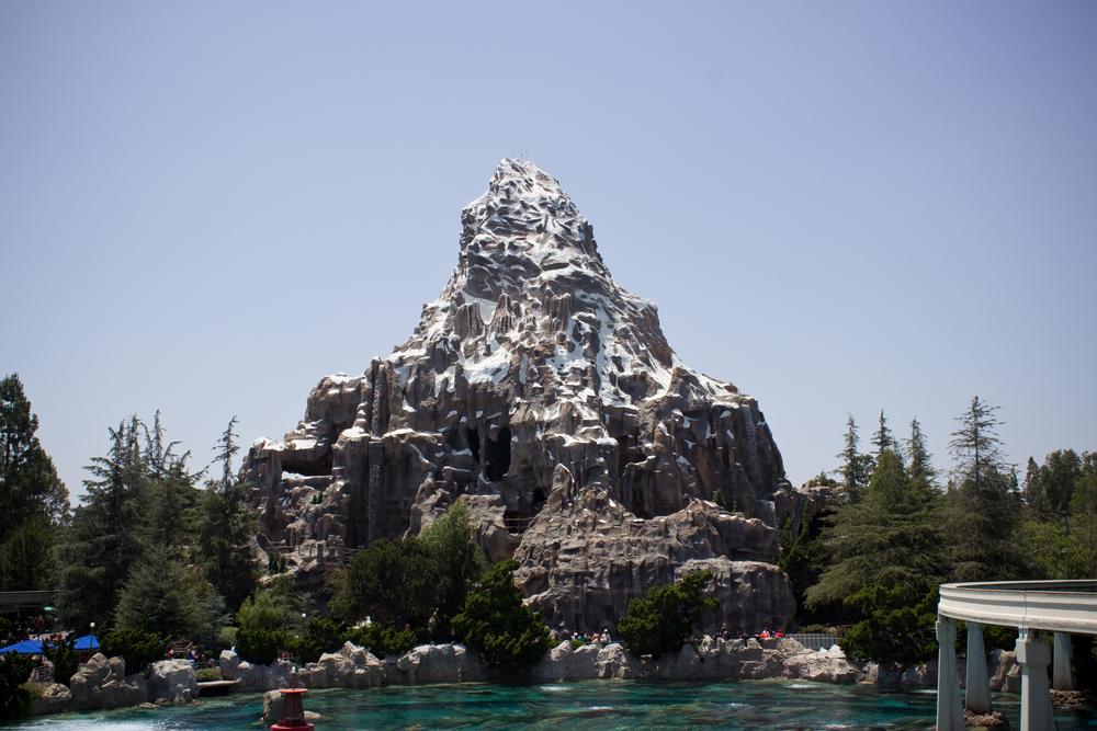 Matterhorn_-_Disneyland_2012.jpg