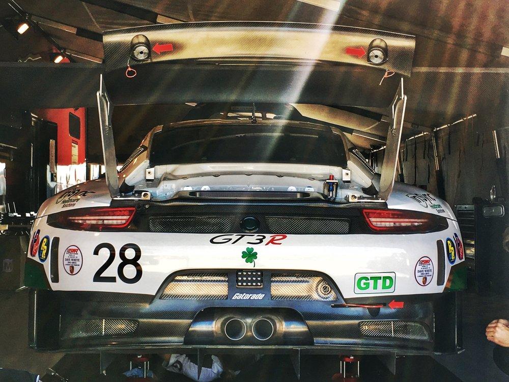 18. lucky GT3R.jpg