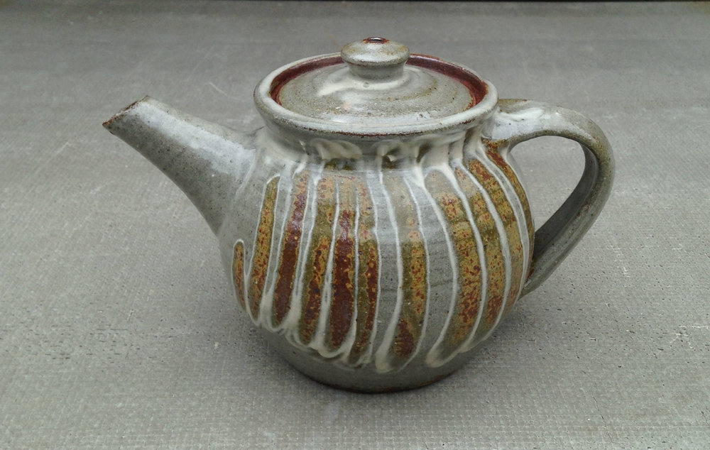 Teapot with stripes.jpg