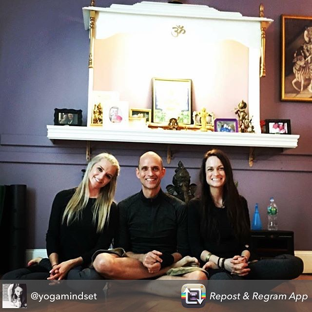 "Repost from @yogamindset using ""you take mula bandha."" we are grateful for our time in NY last weekend. thank you @timfeldmannyoga for sharing your love for ashtanga!! #timfeldmann #ashtanga #ashtangalove #yogamindsethighpoint #yogamindset #yogainspiration #practiceandalliscoming #gurujiliveshere #namaste"