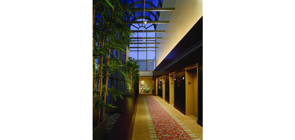 Guestroom Elevator Lobby