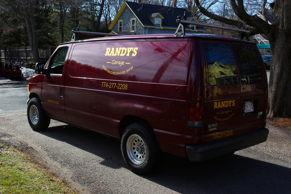 Randy's Garage Offers Services