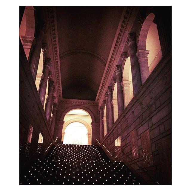 💃🏼@metmuseum #metmuseum #metmembers #artlover #interiors #architecture