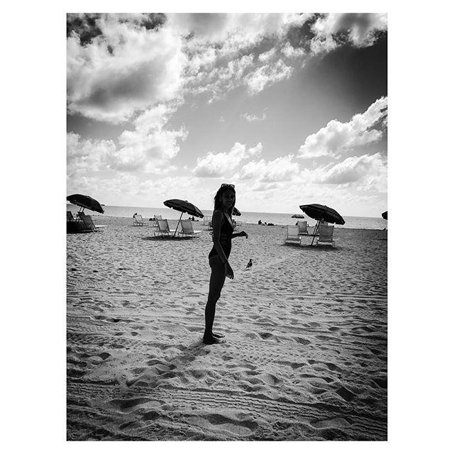 Reminiscing 🔛 a beach 🌊 #beachlife #lovelife #behappy#danceonthebeach