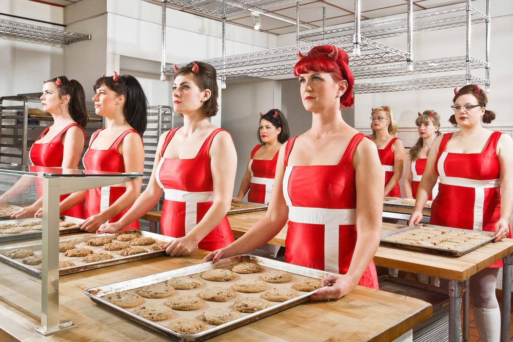 mitch_tobias_devilettes_bakery_0091_crop_b_opt