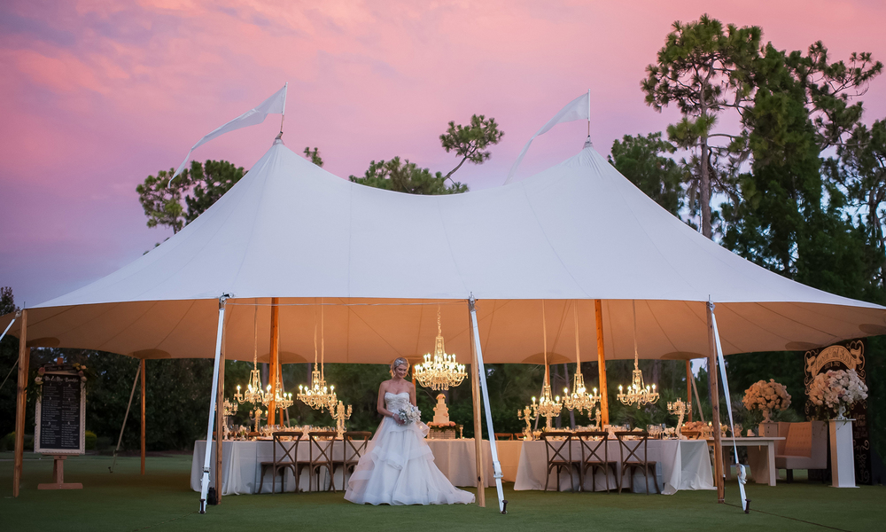 Wedding Photography: Kathy Thomas | Wedding Reception: Lake Nona Country Club | Wedding Planner: The Busy Bee