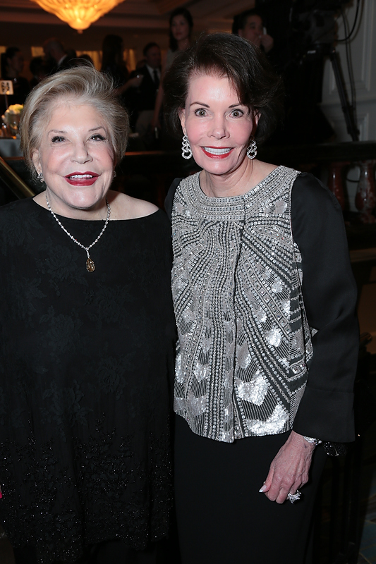 Wallis Annenberg and Lynn Booth at the 2016 UNICEF Ball
