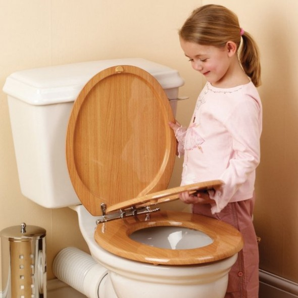 Little Girl Pooing Images