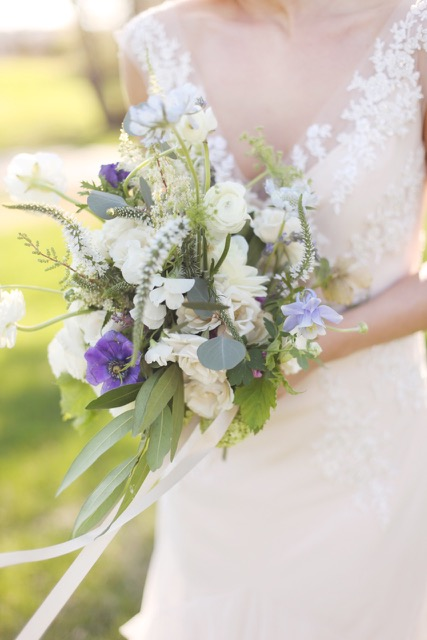 A bride with her gorgeous bouquet by Amy Cason of @victoriangardens via @social_studio