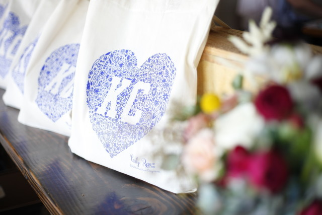 We are in love with these Kansas City totes made by our sponsor Carly Rae Studio! | Getting Social with Carly Rae Studio via @social_studio