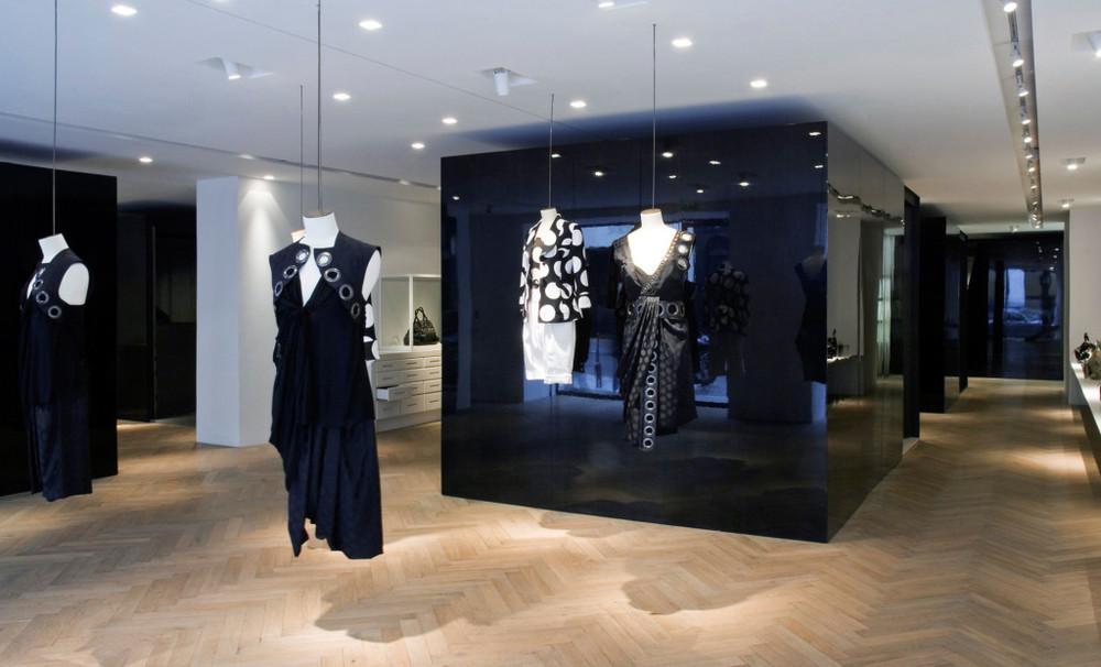 Givenchy-Paris-boutique-designer-fashion-retail-Jamie-Fobert-Architects-shop-13-case-study-1024x621.jpg