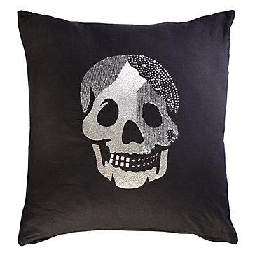 skull-pillow-20-040892957a.jpg