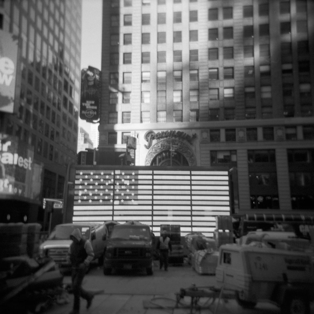 NYC-Square-bw10.jpg