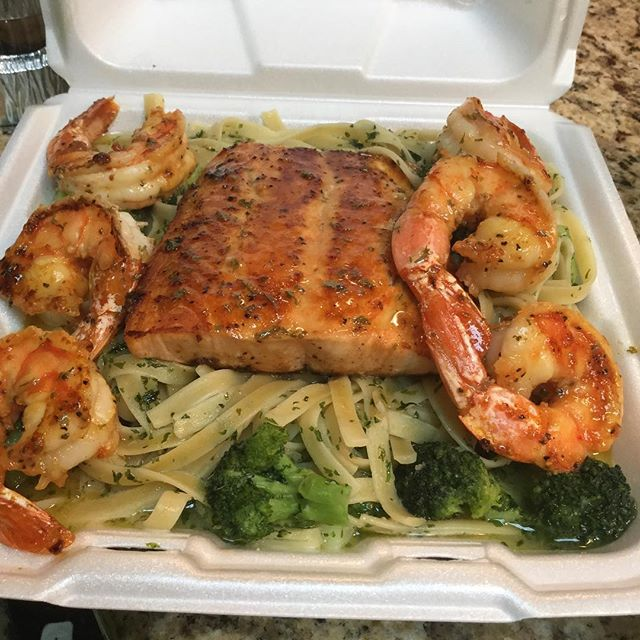 Ciroc salmon and shrimp over pasta @taste_of_flava #foodhubs  #ilovefood  #freshseafood  #NJFood  #BroadwayNJ  #foodbeast  #gurb  #foodporn  #grubhub  #newark  #BroadwayNJ  #africanfood  #northnewark  #NomNom  #soulfood  #goodeating  #goodfood  #tasteofflava  #seafood  #foodVSman #tasteofflava #chefCess🙌🏾 #goodeating #goodfood #foodaroundme #homeofcirocwing