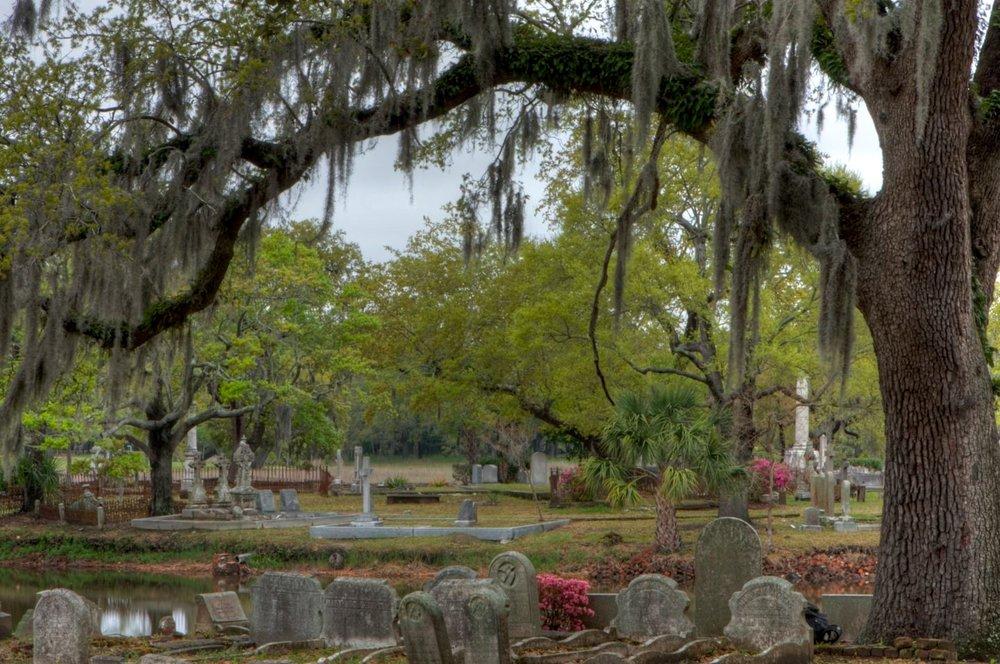 CemeteryHDR8.jpg