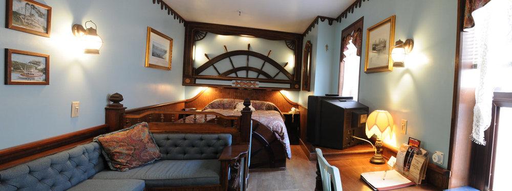 13) Cabin Room.jpg