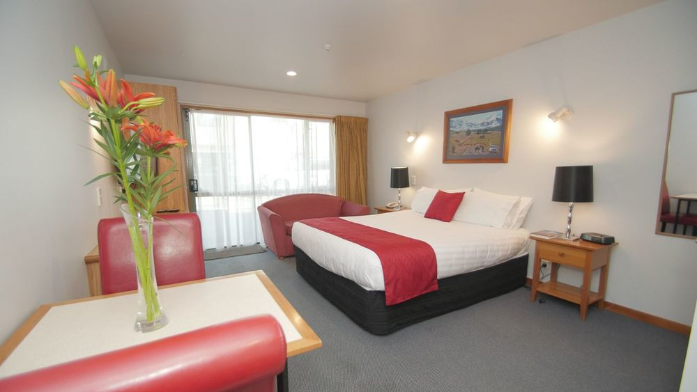 Quality Accommodation   Style, Comfort, Value   Explore