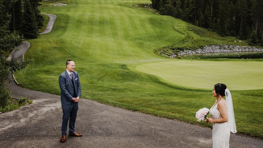 Canmore_Wedding_Photographers_Silvertip_JimandNikki7.jpg