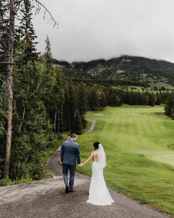 Canmore_Wedding_Photographers_Silvertip_JimandNikki8.jpg