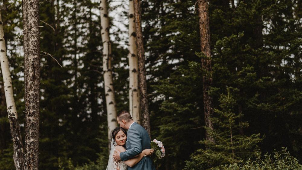 Canmore_Wedding_Photographers_Silvertip_JimandNikki11.jpg