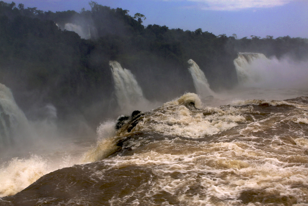 iguazu_monsoon_gm04.jpg