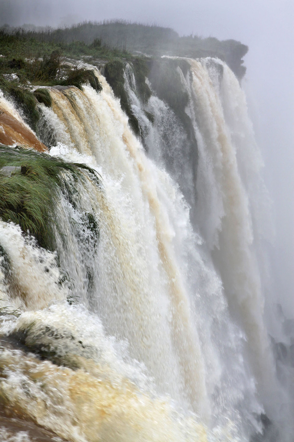 iguazu_monsoon_gm10.jpg
