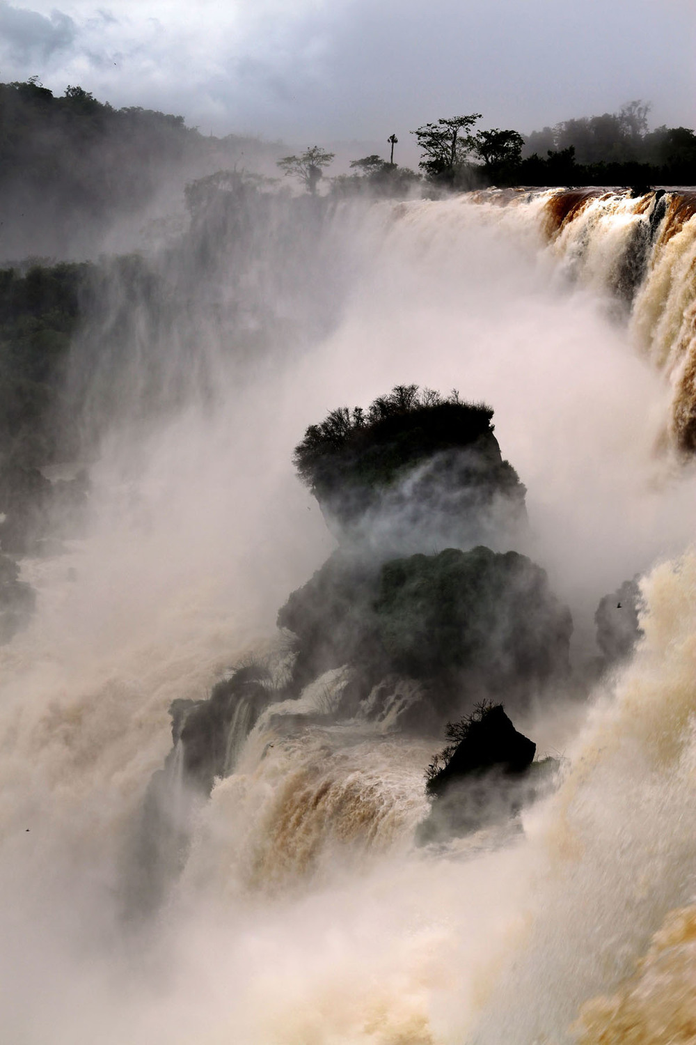 iguazu_monsoon_gm14.jpg